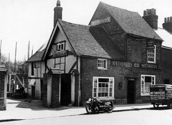 Bakers%20Arms,%20before%20alterations.%20motorbike%20and%20brewery%20van.%20C.1936